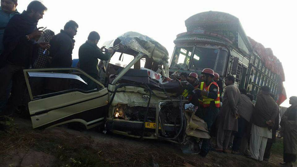 Khairpur road accident leaves 20 dead, seven injured